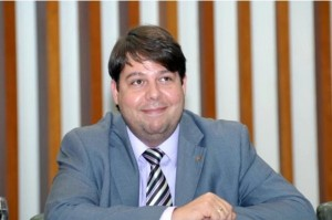 Deputado Karlos Cabral (PT) provocou e recebeu resposta em um tom acima
