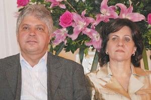 Ex-governador Alcides Rodrigues e a esposa Raquel: pela família, tudo. Aos amigos, o que sobrar