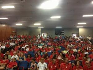 Imagem do auditório da Câmara: volume pífio de militantes, dado o fato de ser a principal tendência do PT
