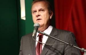 Prefeito Paulo Garcia (PT) não conta com simpatia do PMDB para ser candidato a governador