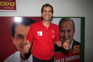 "Vereador Carlos Soares: pai da ideia genial de homenagear 240 ""autoridades"""