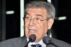 Senador Cyro Miranda (PSDB): alvo de críticas