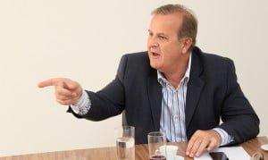 Prefeito Paulo Garcia: administração ruim, críticas constantes
