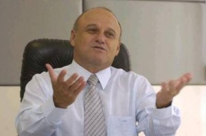 Deputado e presidente do Atlético, Valdivino Oliveira