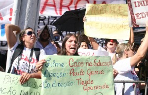 protesto 80 anos 2