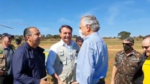 Em Formosa, Caiado volta a bajular Bolsonaro em evento no Exército ...